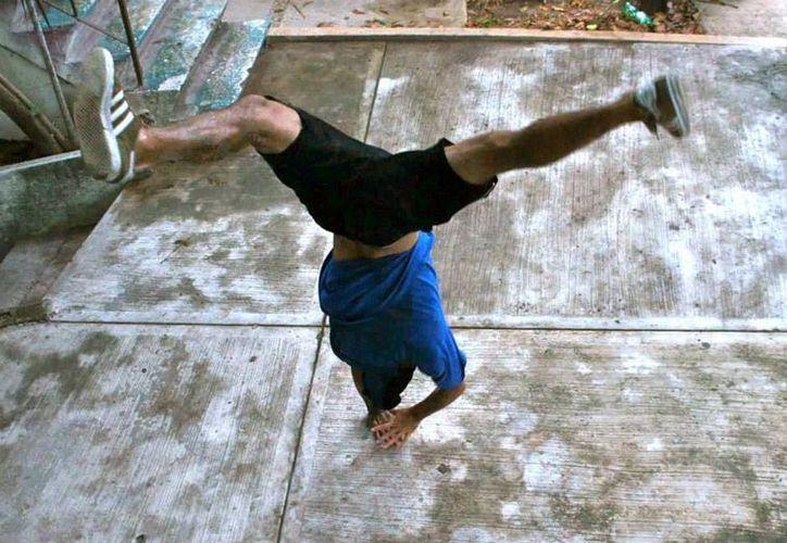 'Reveal', entrena todos los días en el parque de Las Palapas. (Facebook/Reveal Adrián)