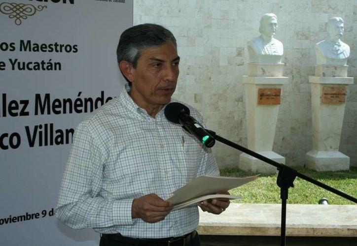 Faulo Sánchez lamentó que los periódicos suelen terminar en la basura, pese a su valor documental. (educacion.yucatan.gob.mx/Archivo)