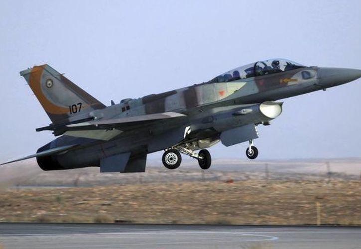 No se reportaron víctimas del choque del cazabombardero. Imagen de archivo de un F-16 que despega de una base aérea en el sur de Israel durante un ejercicio. (EFE)
