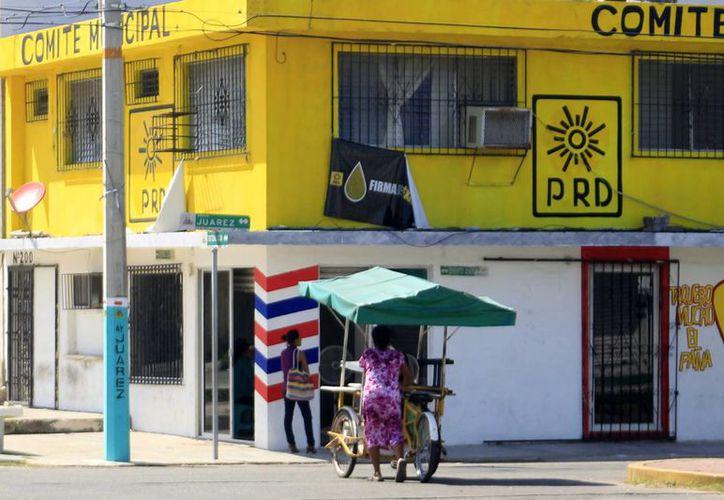 El Partido de la Revolución Democrática dará atención al Comité municipal con el fin de fortalecer al organismo para las elecciones. (Harold Alcocer/SIPSE)