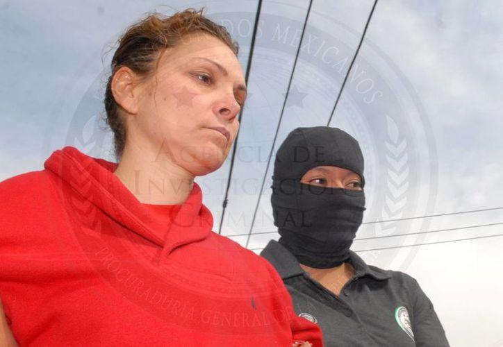 María de los Ángeles Pineda, cuando fue ingresada al Cefereso de Tepic, Nayarit, el pasado 5 de enero. (Archivo/Notimex)