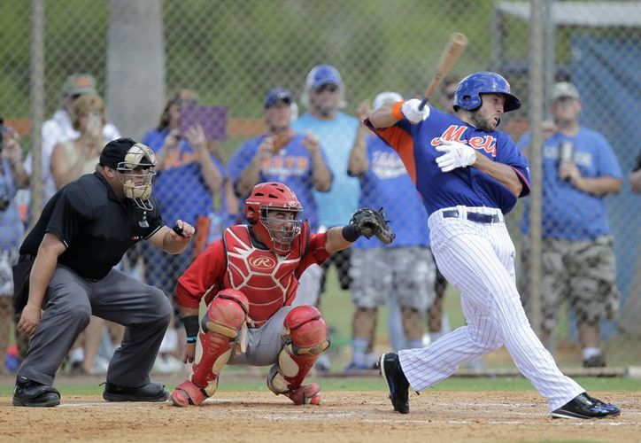 Tim Tebow con 29 años, es el pelotero más veterano del Instructional League. (Luis M. Alvarez/AP)