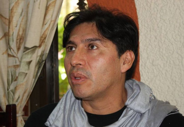 Emilio Heredia durante una conferencia de prensa. (Adrián Barreto/SIPSE)