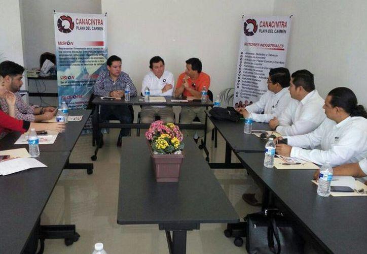Ayer se informó que los socios de la Canacintra Playa del Carmen podrán acceder a un financiamiento con tasa de interés preferencial. (Daniel Pacheco/SIPSE)