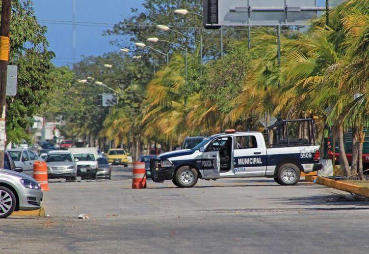 La vialidad está cerrada por precaución y protección al personal. (Jesús Tijerina/SIPSE)