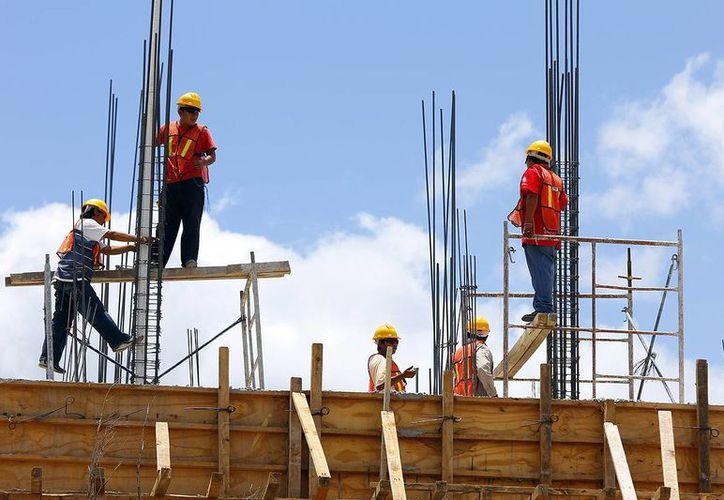 El ramo de la construcción debe mejorar para el segundo trimestre del año, aseguró el presidente local de la CMIC, Luis Castillo Campos. (Milenio Novedades)