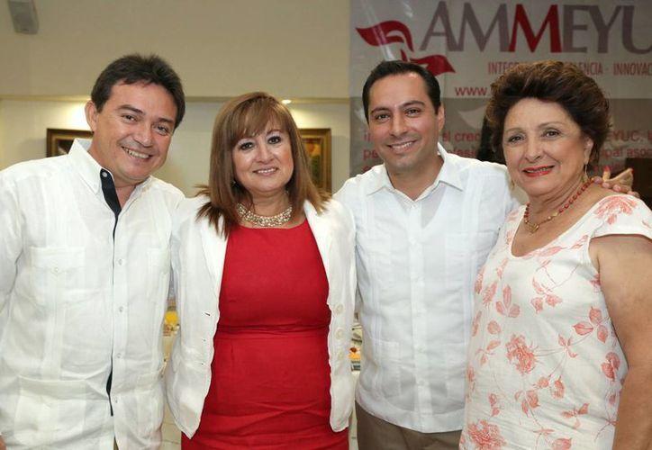 El alcalde de Mérida, Mauricio Vila, durante la conmemoración del 18 aniversario de la Ammeyuc. (Foto cortesía del Ayuntamiento de Mérida)