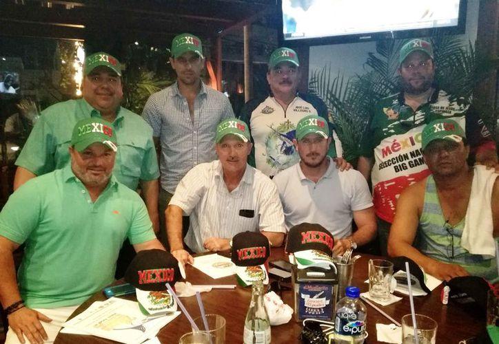 Los seleccionados para el mundial de pesca deportiva. (Raúl Caballero/SIPSE)