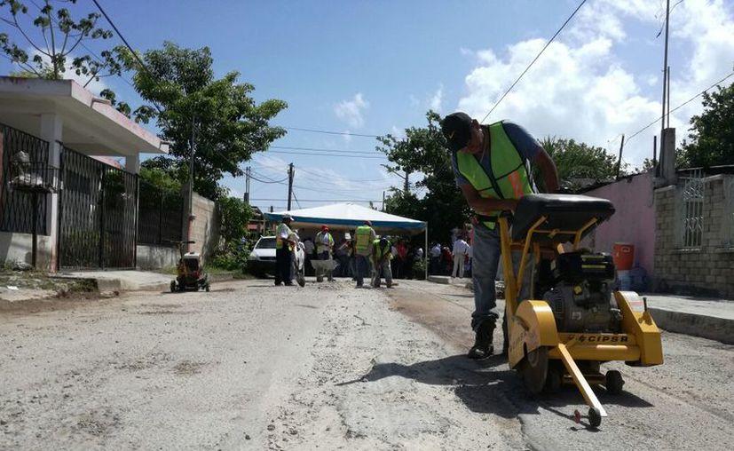 Ayer inició el Programa de Rehabilitación del Espacio Público. (Joel Zamora/ SIPSE)