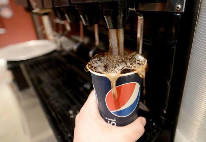 Pepsi emitió un comunicado en el que cuestionaba los resultados del mismo y aseveró que todos su productos se adhieren a los límites establecidos por el estado de California. (Archivo/EFE)