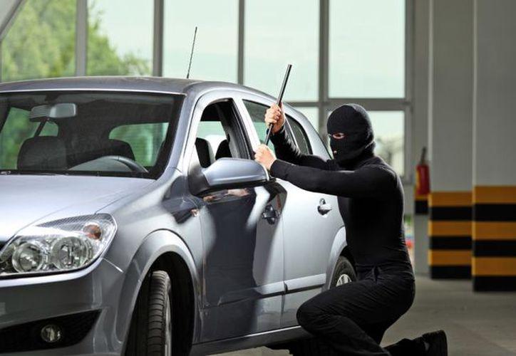 Cada hora, en el país desaparecen diez vehículos, seis robados con violencia.  (Foto Alto Nivel)