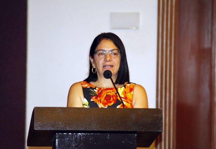 Patricia Bugarín durante la reunión en Mérida. (Christian Ayala/SIPSE)