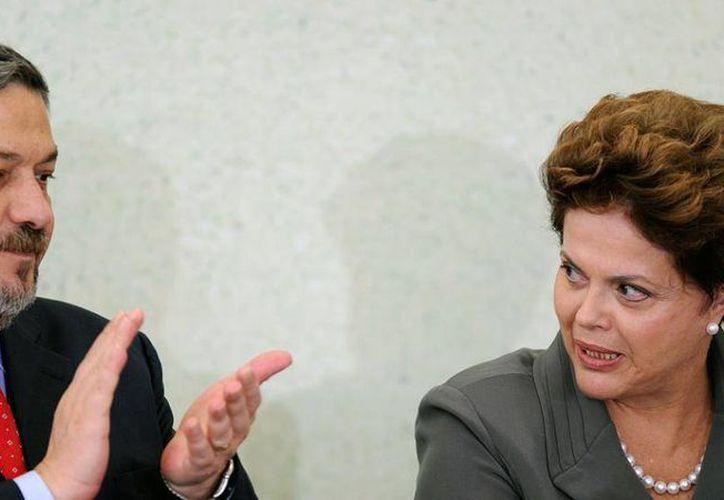 El exministro de Economía y exjefe de Gabinete brasileño Antonio Palocci (izq), hombre fuerte de las finanzas de los gobiernos de Luiz Inácio Lula da Silva y Dilma Rousseff (der) fue detenido. (tn.com.ar)