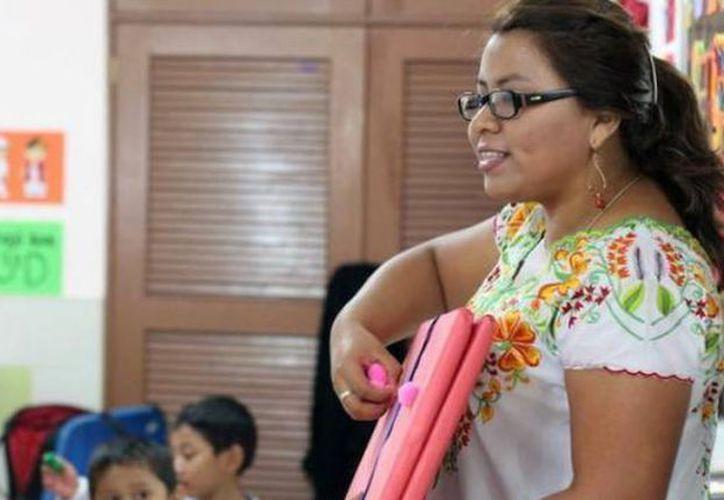 """Hoy, 15 de mayo, se celebra en México el Día del Maestro. En el caso de los estudiantes, todavía quedan dos días para hacer """"puente"""", antes de las vacaciones de verano. Pero los trabajadores no tendrán otro fin de semana largo sino hasta el 20 de noviembre. (Archivo/SIPSE)"""