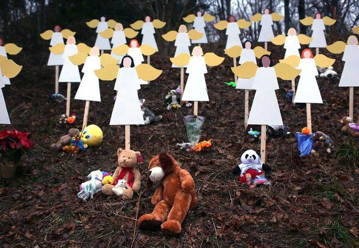 La indignación causada por la masacre en la que murieron 20 niños impulsó el deseo de controlar las armas en Estados Unidos, pero nada se ha concretado desde entonces. (sott.net)