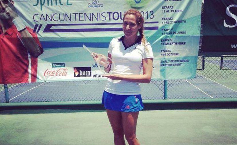 La competidora sueña con representar a México en Fed Cup. (Facebook/Rifka Queruel)