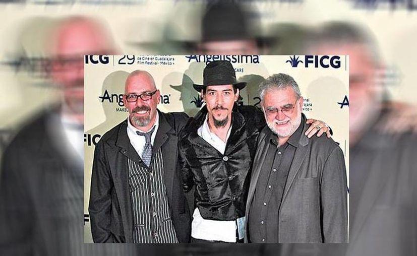 El director del FICG, Iván Trujillo. (d) infirmó que en la próxima edición el Festival contará con una importante muestra importante del cine italiano contemporáneo. (Carlos Zepeda/Milenio)