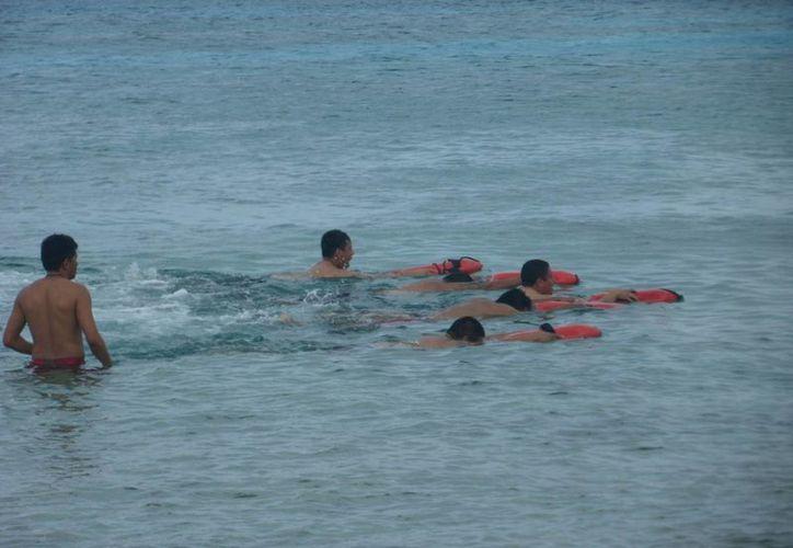 Ayer jueves se rescataron a cuatro turistas el jueves. (Julián Miranda/SIPSE)