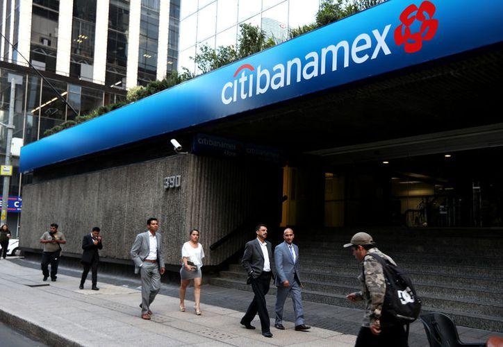 Clientes no pueden realizar operaciones en cajeros automáticos de la institución financiera. (Foto: Contexto/Internet).