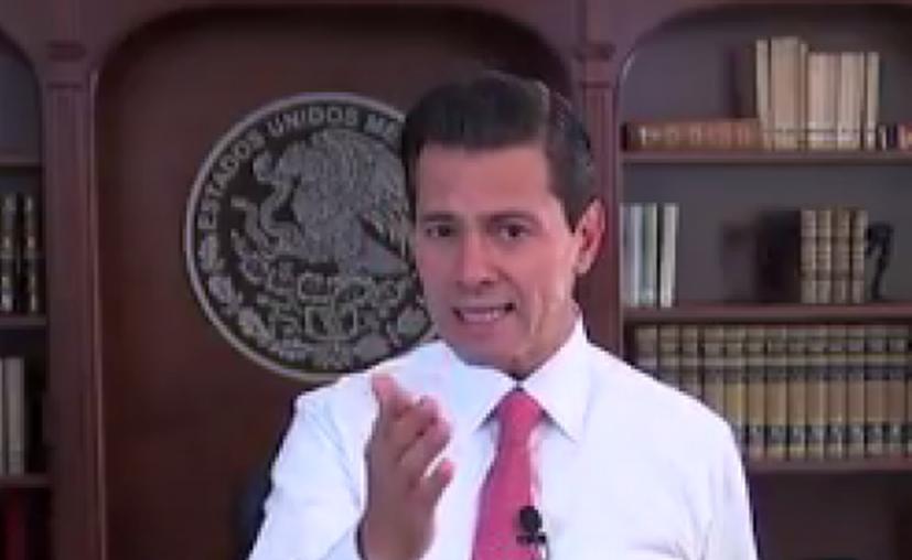 El presidente de México, Enrique Peña Nieto, compartió en un video de Twitter, datos sobre la economía mexicana actual. (Impresión de pantalla)