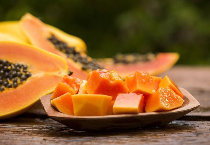 La papaya es usada como un remedio natural contra la mala digestión estomacal. (Foto: Contexto)