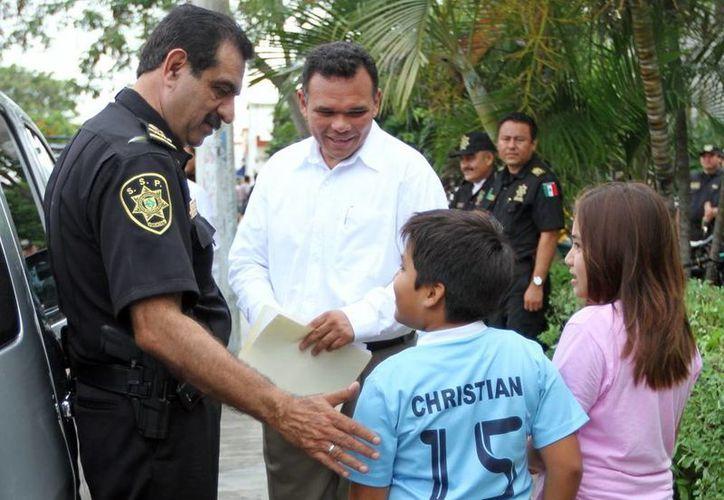 El gobernador Rolando Zapata Bello acompañado por el titular de la SSP, Luis Felipe Saidén Ojeda. (SIPSE)