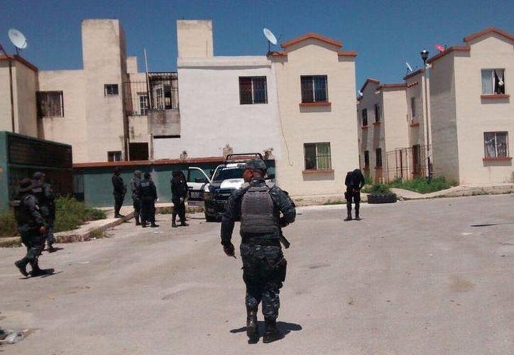 Los elementos de la Gendarmería trasladaron al individuo a la Fiscalía General de Justicia. (Josué Massa/SIPSE)