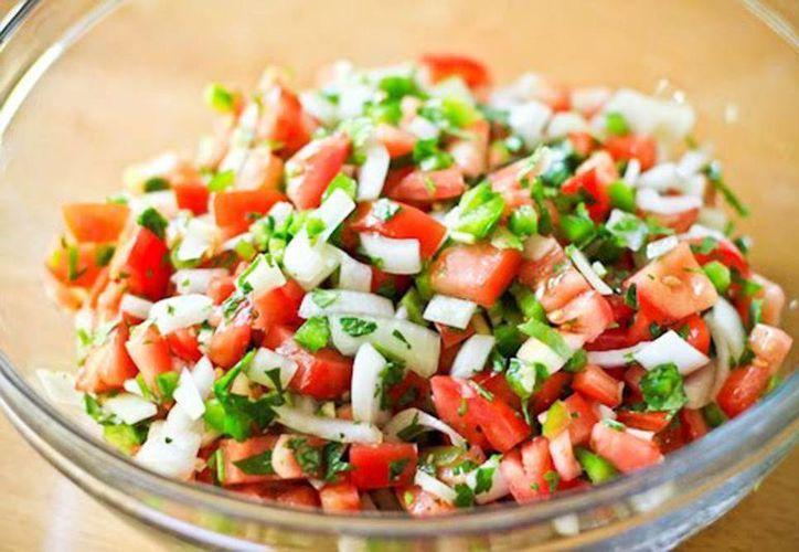Subirán precios de chile, cebolla y tomate, ingredientes principales para un rico pico de  gallo. (novenocielo.com)