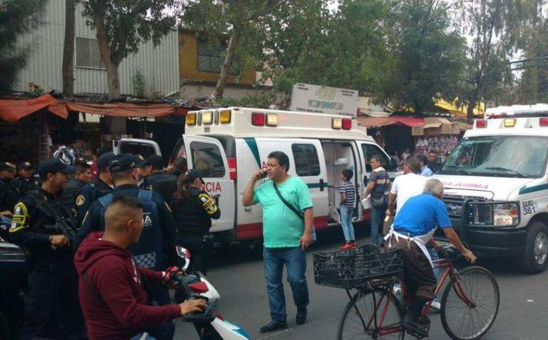 Al menos cinco personas heridas — Balacera en Tepito
