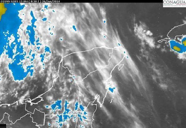 La entrada de humedad del mar Caribe ocasionará vientos fuertes en la Península de Yucatán. (Redacción/SIPSE)