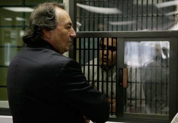 Escena de Presunto Culpable, en la que José Antonio Zuñiga aparece con su abogado defensor.  (cinepremiere.com.mx)