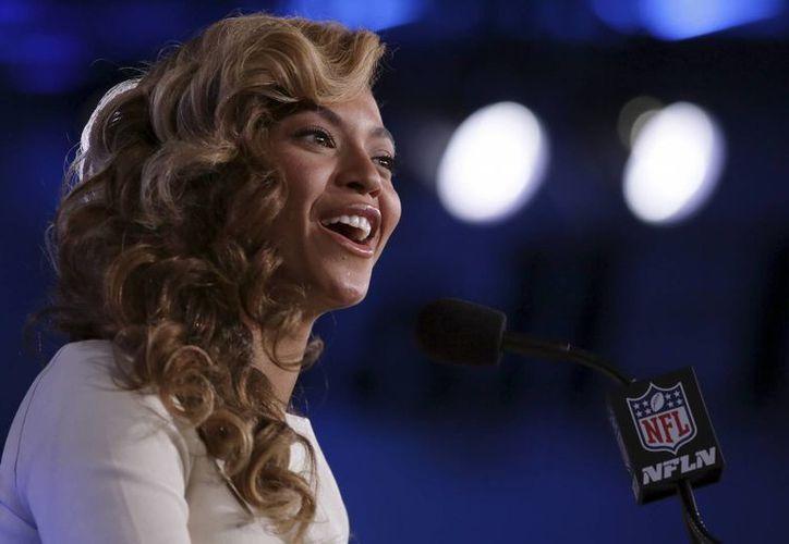 Ante las prominentes estrellas en el Super Bowl, quizá Beyoncé no sea el acto más esperado en la gran final. (Agencias)