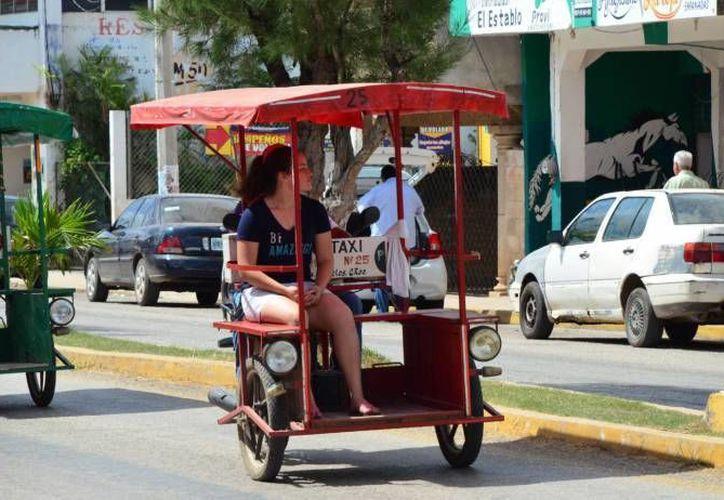 Señalan que los conductores de mototaxis ponen en riesgo a los usuarios. (Redacción)