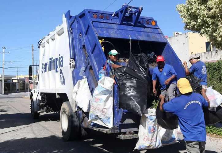 La empresa recolectora de basura 'Servilimpia' atiende a 100 mil hogares de la capital yucateca. (Archivo/ SIPSE)