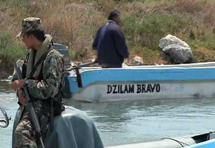 Según las autoridades, la lancha se fue a pique debido a la poca experiencia de los pescadores. (SIPSE Noticias)