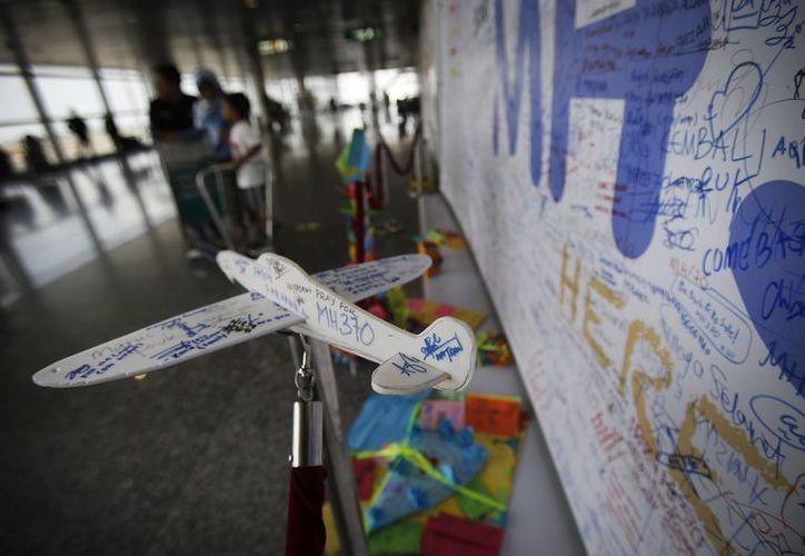 Las autoridades se encuentran investigando los antecedentes de la tripulación del vuelo MH370. (Agencias)