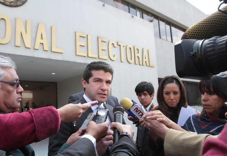 El dirigente del PAN del DF, Mauricio Tabe, integró nueva información al expediente de las quejas que ese partido presentará la próxima semana. (Foto de archivo de Notimex)