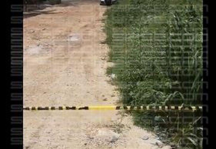 La zona fue acordonada por las autoridades. (Orville Peralta/ SIPSE)