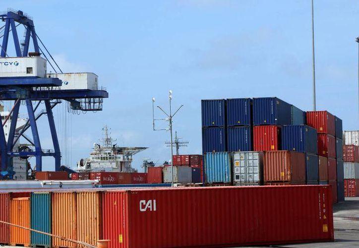 Aseguran que una mayor rapidez en las aduanas ha impulsado el comercio en la región portuaria. (Archivo/SIPSE)