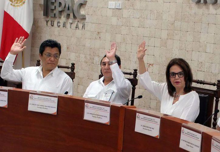 Cuatro partidos piden al Tribunal dar marcha atrás a la destitución de Jorge Esmit May Mex y  César Jiménez Méndez. (Milenio Novedades)