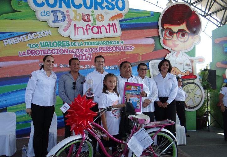 El concurso de dibujo infantil fue realizado por el Idaip y promueve los valores como la honestidad. (Joel Zamora/SIPSE)