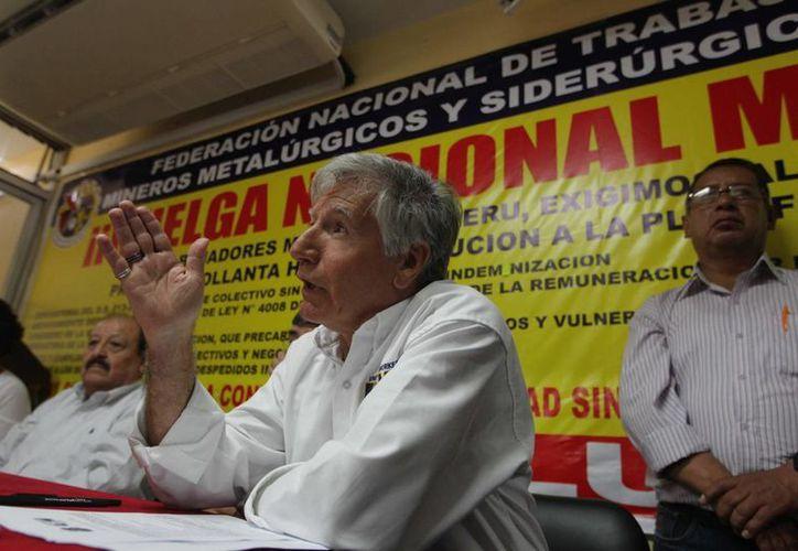 Jorge García, del sindicato United Steelworkers (USW), condenó los abusos del gobierno de Perú contra los trabajadores de ese país. (EFE)