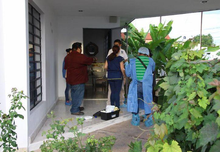 Agentes ministeriales llegaron al lugar de los hechos para recabar evidencias. (Victoria González/SIPSE)