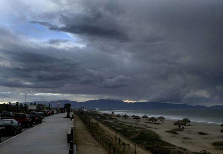 Los meteorólogos proyectan una temporada de huracanes por debajo de lo normal en el Pacífico. (Archivo/EFE)