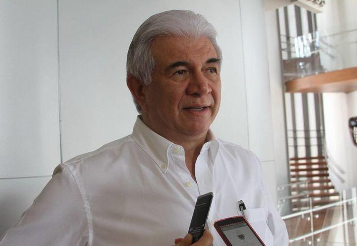 Imagen de el titular de la Sefoe, David Alpízar Carrillo, quien habló sobre el  incremento en el número de proyectos de las TIC. (César González/SIPSE)