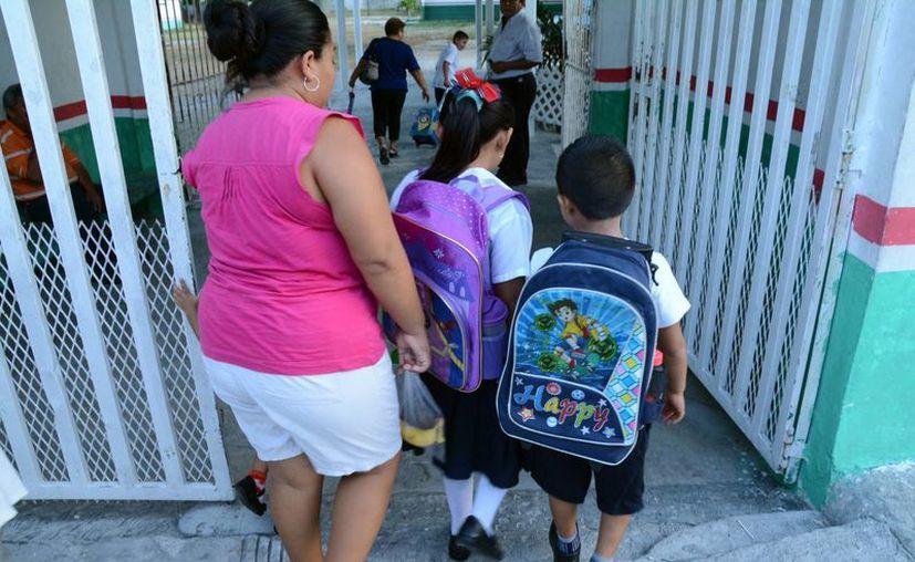 Los niños de primaria tendrán media hora más de clase. (Archivo/SIPSE)