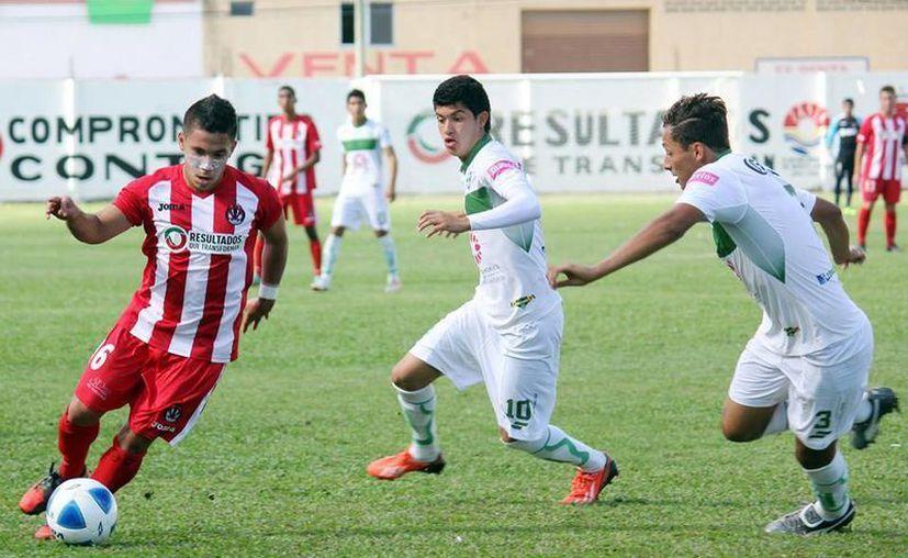Pioneros tiene la oportunidad de ascender a la liga Premier  de la Segunda División Profesional. (Francisco Gálvez/SIPSE)