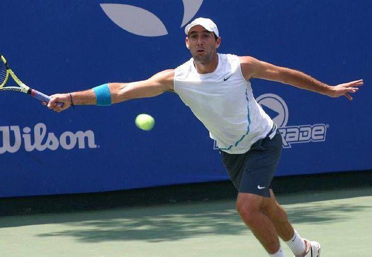 El tenista veracruzano cerró su quinta participación en el torneo británico. (Foto: Agencias)