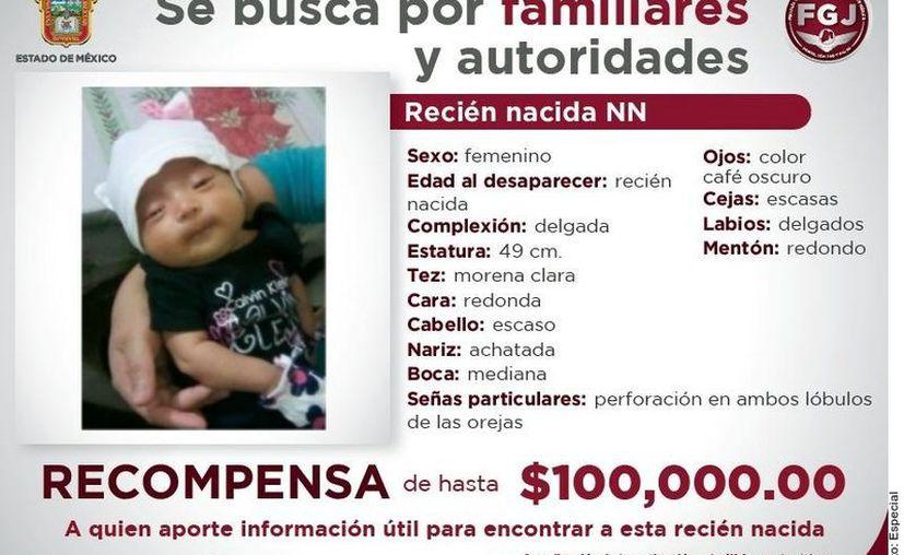 La Fiscalía del Estado de México ofreció una recompensa de hasta 100 mil pesos a quien aporte información del paradero de la menor que fue robada en el Registro Civil de Naucalpan. (Agencia Reforma)