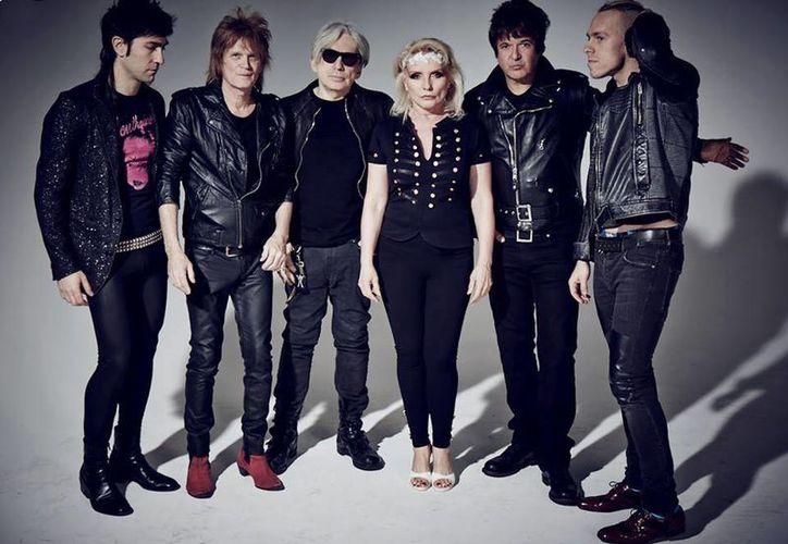 Se especula que el nuevo material de Blondie saldría a la venta el 5 de mayo. (Facebook/ Blondie)